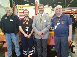 Von links nach rechts: Fred (DD2ZM), ich (DG1IUK), Dirk vom Steeg (AKNZ) und Mickle (DG9FAP)