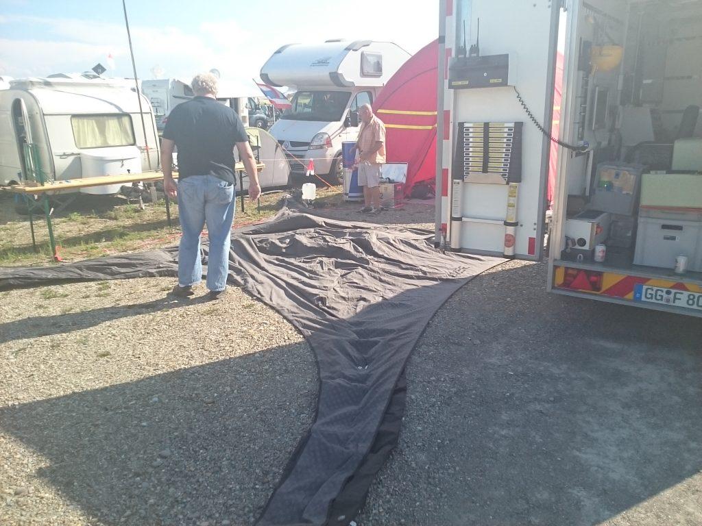 Zelt 2 im Aufbau